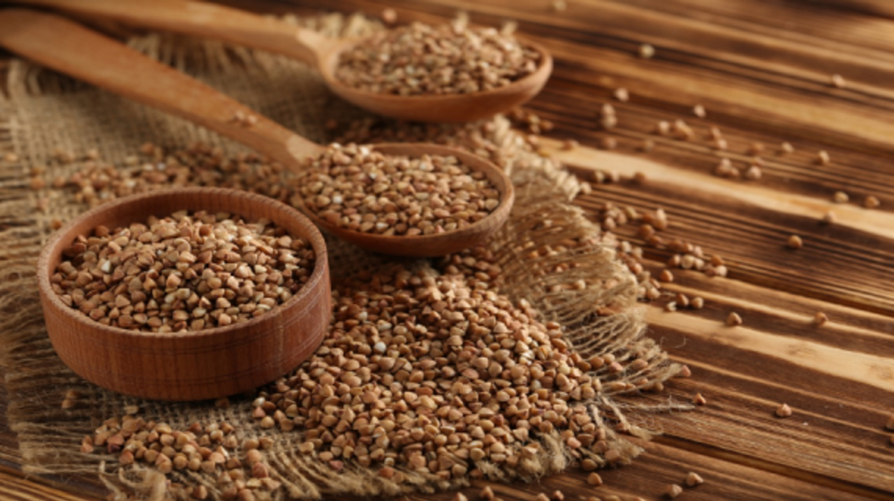 Можно ли кормить голубей рисом и другим зерном